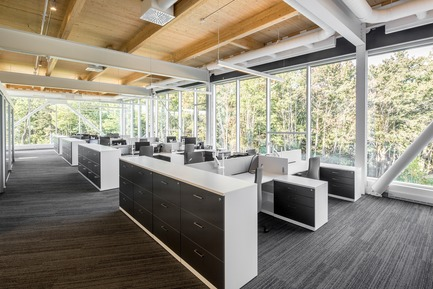 Press kit | 865-30 - Press release | Lemay Wins 2017 American Architecture Prize for Design of Pomerleau Offices - Lemay - Commercial Architecture - Pomerleau Offices - Workspace  - Photo credit: Jonathan Robert