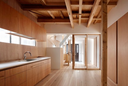 Press kit | 3116-01 - Press release | House for Four Generations - tomomi kito architect & associates - Residential Interior Design - 1F common space - Photo credit: satoshi shigeta