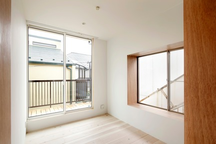 Press kit | 3116-01 - Press release | House for Four Generations - tomomi kito architect & associates - Residential Interior Design - 2F private space - Photo credit: satoshi shigeta