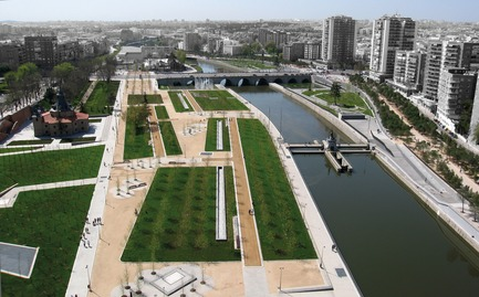 Press kit | 3076-01 - Press release | Madrid Rio. A New Urban Ecology - Burgos & Garrido; Porras La Casta; Rubio & A-Sala; West 8[Ginés Garrido, team director] - Landscape Architecture - Completed - Photo credit: Courtesy of the authors of the project