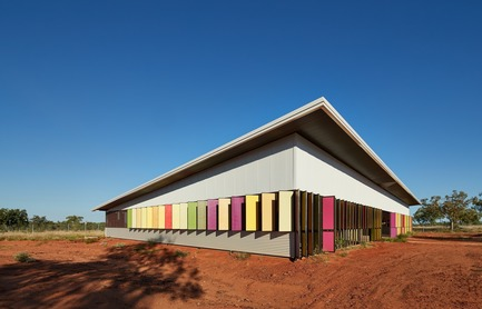 Dossier de presse | 661-44 - Communiqué de presse | Post-Earthquake Prototype House is Crowned World Building of The Year 2017 at the WAF - World Architecture Festival (WAF) - Commercial Architecture - Fitzroy Crossing Renal Hostel in Fitzroy, Australia by Iredale Pedersen Hook Architects winner of The Best Use of Colour Prize 2017 - Crédit photo : World Architecture Festival