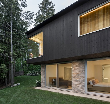 Press kit | 880-12 - Press release | The Slender House - MU Architecture - Residential Architecture - Photo credit: Stephane Groleau