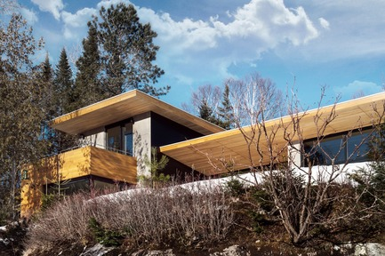Press kit | 720-10 - Press release | The Wooden Wing - YH2 - Residential Architecture - Photo credit: David Marien-Landry