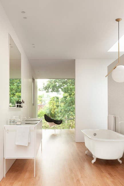 Press kit | 673-19 - Press release | 11th GRANDS PRIX DU DESIGN Awards Winners Announced - Agence PID - Competition - Bathroom award<br>Maison Wilson<br>la SHED architecture - Photo credit: Maxime Brouillet