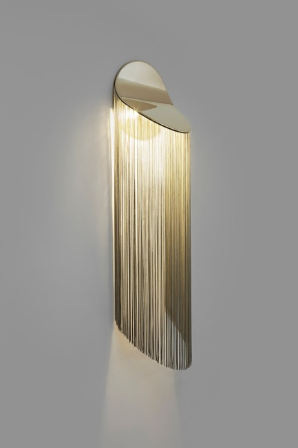 Press kit | 2375-02 - Press release | d'Armes Unveils Its New Light Fixture Cé - d'Armes Luminaires - Lighting Design - Cé - Side view - Photo credit: Jean-Sébastien Sénécal