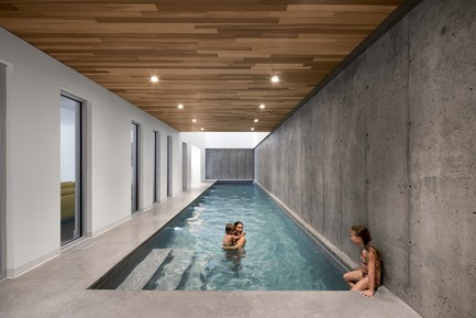 Press kit | 1527-07 - Press release | L'Accostée House - Bourgeois / Lechasseur architects - Residential Architecture - Photo credit: Adrien Williams