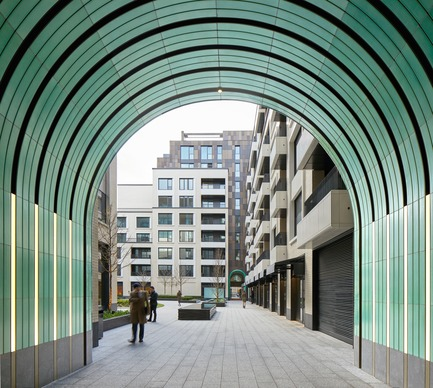 Press kit | 2317-01 - Press release | A New Oasis Off London's Oxford Street - Make Architects - Residential Architecture -  This area of London, Fitzrovia, has a precedent for passagweways - Make designed jade green ceramic passageways to build on the theme  - Photo credit: Make Architects