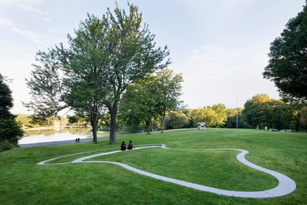 Press kit | 2366-03 - Press release | Montreal Project Wins Major International Design Award - civiliti with Julie Margot design - Landscape Architecture - Halt located close to recreational area around Beaver Lake<br> - Photo credit: Adrien Williams