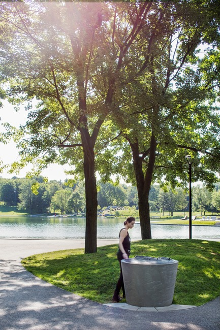 Press kit | 2366-03 - Press release | Montreal Project Wins Major International Design Award - civiliti with Julie Margot design - Landscape Architecture -  Tridimensional map located close to Beaver Lake, at the heart of the park's recreational area<br> - Photo credit: Adrien Williams