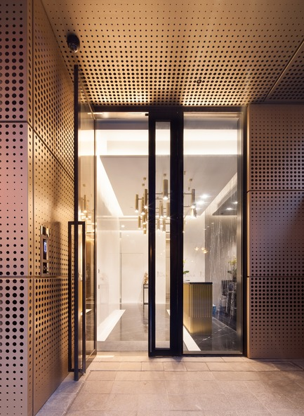 Press kit | 2317-02 - Press release | Make Completes High Rise Luxury Residential Tower in Wan Chai - Make Architects - Residential Architecture - Punched anodised aluminium - Photo credit: John Madden