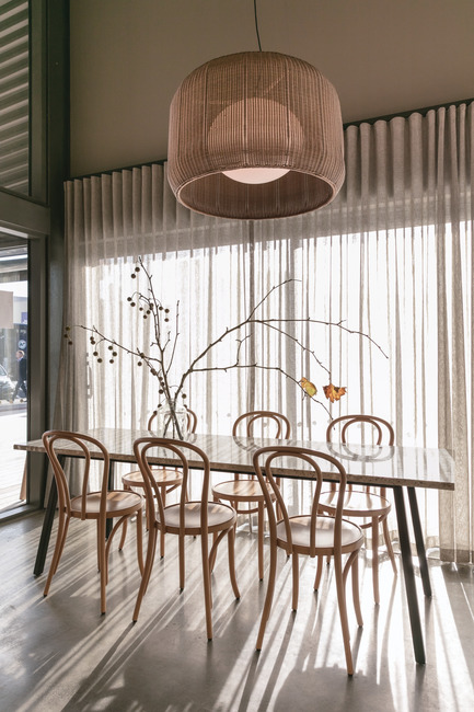 Dossier de presse | 3342-01 - Communiqué de presse | Bover Launches Its Outdoor Collection - Bover Barcelona - Lighting Design - Fora by Alex Fernández Camps & Gonzalo Milà at The Junction Eatery, Birkenhead - Crédit photo : Michelle Weir