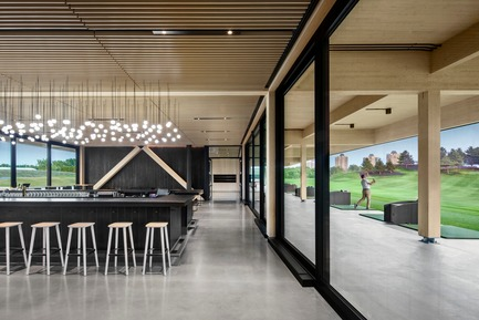Press kit | 769-03 - Press release | A High-End Golf Clubhouse by Architecture49 - Architecture49 - Commercial Architecture - Golf Exécutif Montréal Clubhouse Interior View - Photo credit: Stéphane Brügger