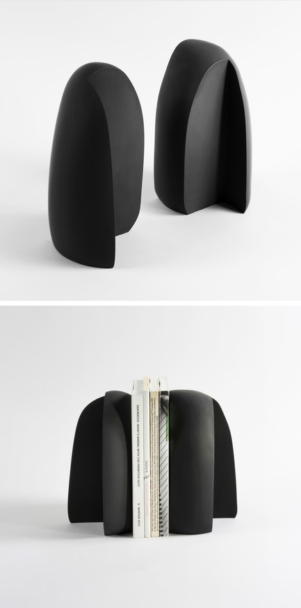 Press kit | 2757-06 - Press release | UMÉ Studio Unveils New Limited Edition Items - UMÉ STUDIO - Product -  As immutable stone pieces, the Henge Bookends mimic a standing book.  - Photo credit: William Boice