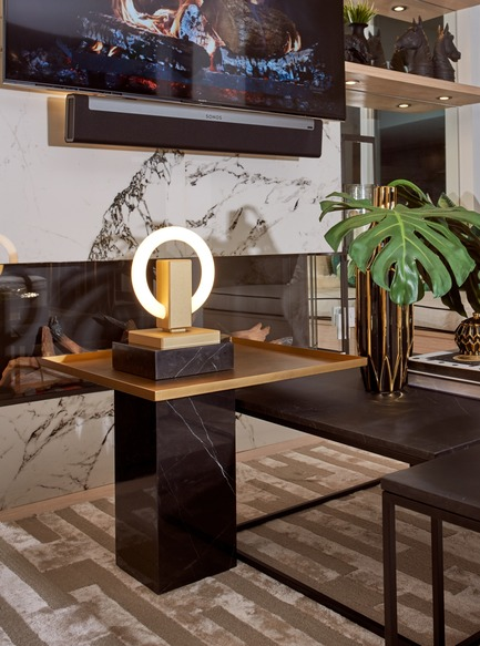 Press kit | 3412-02 - Press release | Karice, Award Winning Designer Unveils its Latest Luminaire - Olah Table Lamp - Karice Enterprises Ltd. - Product - Olah Table Lamp - On a stone pedestal a sculptural piece of art - Photo credit: Jordan N. Dery