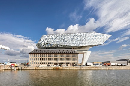 Press kit | 1028-12 - Press release | ABB LEAF Awards 2018 - Compelo/ABB - Competition - Overall Winner ABB LEAF Awards 2018, 'Port House', Antwerp, Belgium  - Photo credit: Zaha Hadid Architects,