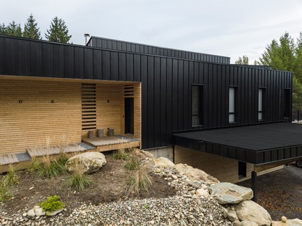 Press kit | 1332-03 - Press release | A Playful Rural Industrial Aesthetic - Tux Creative - Residential Architecture - Photo credit: Maxime Brouillet