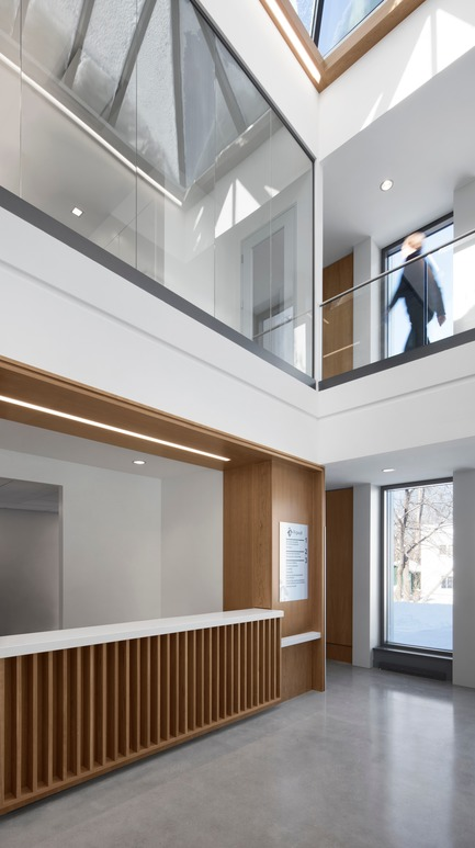 Press kit | 1172-07 - Press release | Hôtel de ville de Rigaud - Affleck de la Riva architectes - Architecture institutionnelle - Hôtel de ville de Rigaud - l'atrium - Photo credit: Adrien Williams