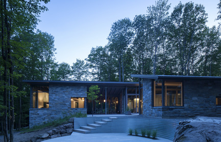 Press kit | 780-02 - Press release | Bromont House - Paul Bernier Architecte - Residential Architecture - Photo credit: James Brittain