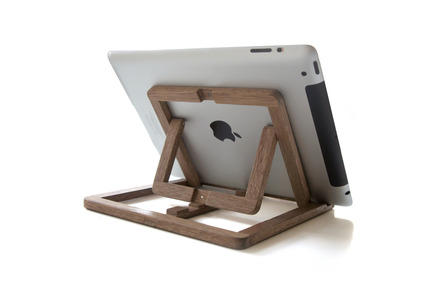 Press kit | 1016-01 - Press release | Ipad Stand - OOOMS - Product - Photo credit: OOOMS