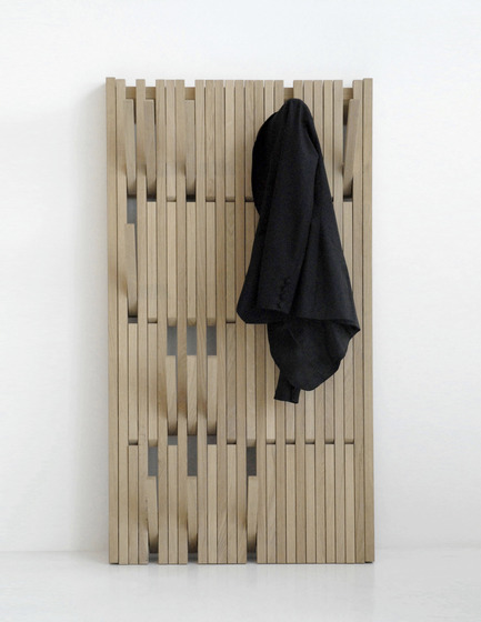 Press kit | 809-06 - Press release | 2012 AZ Awards winners - Azure Magazine - Competition - FurniturePiano Clothing Rack by Feld