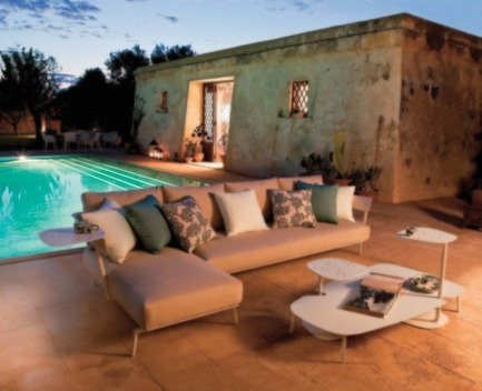 Press kit | 954-01 - Press release | Emmanuel Gallina: the elegance of simplicity - Emmanuel Gallina - Product - SALONE DEL MOBILE FASTAIKANA OUTDOOR COLLECTION - Photo credit: FAST