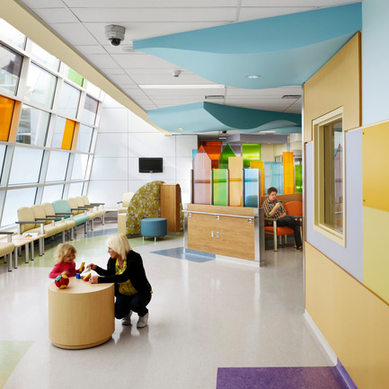 "Press kit | 946-01 - Press release | McMaster Children's Hospital (""MCH"") - Parkin Architects limited - Institutional Architecture - Photo credit: Richard Johnson"