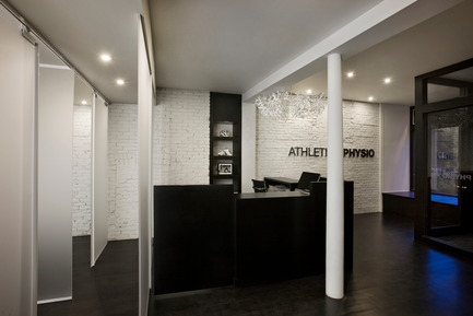 Press kit | 734-02 - Press release | Athletica Physio - Martha Franco - Institutional Interior Design - Photo credit: Nicolas Ruel Photographe