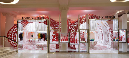 Press kit | 1071-01 - Press release | Architizer A+ Awards winners announced - Architizer - Competition - Louis Vuitton Yayoi Kusama's Pop Up Store - THEVERYMANY - Photo credit: Architizer