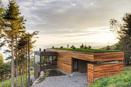 Press kit | 877-01 - Press release | Les Terrasses Cap-À-L'aigle: Where architecture and nature connect - MU Architecture - Residential Architecture - LE PHARE - Photo credit: Ulysse Lemerise Bouchard