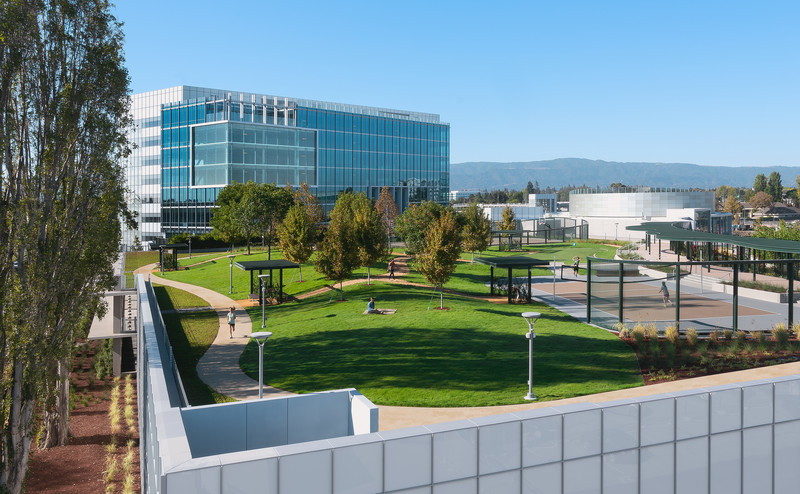 Press kit - Press release - Silicon Valley's Newest Rooftop Park Brings Workplace Amenities to New Heights - DES Architects + Engineers