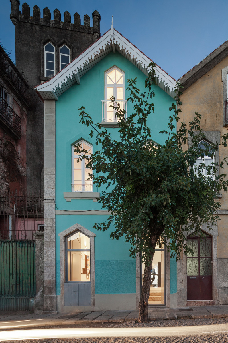 Press kit - Press release - The Three Cusps Chalet - Tiago do Vale Architects
