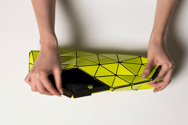 "Press kit - Press release - Bao Bao Issey Miyake and N&R Foldings create ""Distortion"" - the futuristic bag - N&R Foldings"