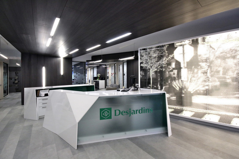Press kit - Press release - Mile-End Service Centre of the Caisse Desjardins des Versants du mont Royal - Cardin Ramirez Julien Inc.