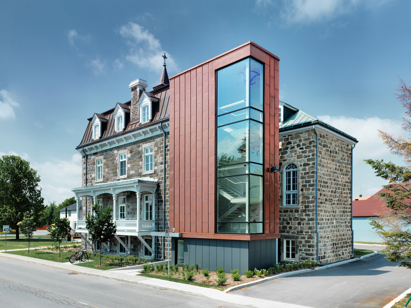 Newsroom - Press release - Saint Roch-de-l'Achigan City Hall - Affleck de la Riva architects